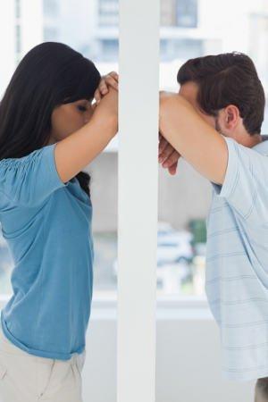 coppia in difficoltà